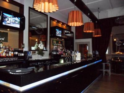 1876 Bar & Restaurant - image 2