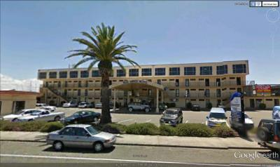 Blue Water Hotel - image 1
