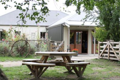 Chatto Creek Tavern - image 2