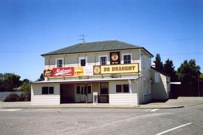 Chertsey Tavern - image 1