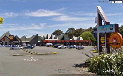 Cloverlea Neighbourhood Tavern - image 1