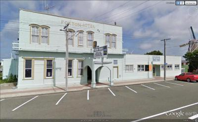 Foxton Hotel - image 1