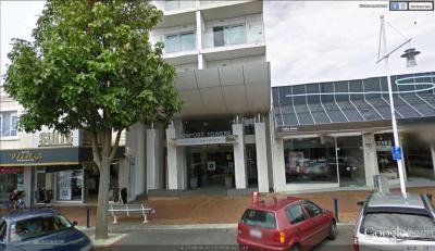 Hotel on Devonport - image 1