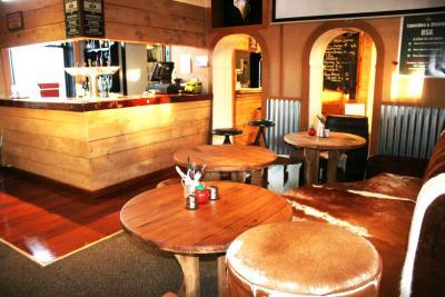 Lumsden Pub