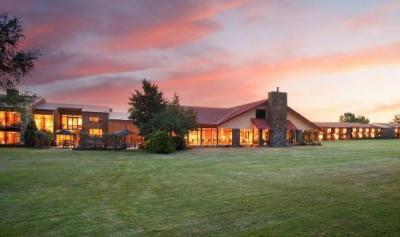 Mackenzie Country Inn - image 1