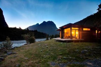 Milford Sound Lodge - image 1