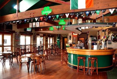 Paddy Barry's Irish Bar - image 2