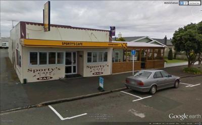 Sporty's Cafe & Bar - image 1