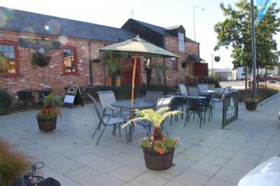 The Stables Restaurant & Bar - image 1