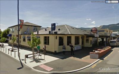 Star & Garter Tavern - image 1