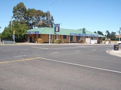 West Melton Tavern - image 1