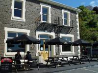 Carey's Bay Historic Hotel - image 1