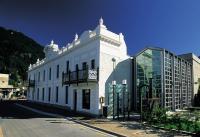 Eichardt's Private Hotel - image 1