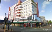 Kelvin Hotel - image 1