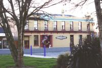 Lumsden Hotel