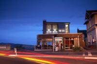 Luna Bar & Restaurant