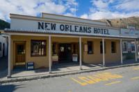 New Orleans Hotel and Fox's Bar