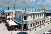 Pub on Wharf - image 1