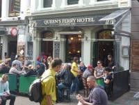 Queen's Ferry Hotel - image 1