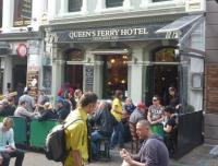 Queen's Ferry Hotel - image 1