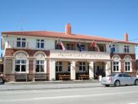 Ranfurly Lion Hotel - image 1
