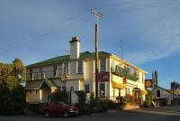 Star & Garter Hotel - image 1