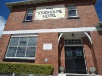 Studholme Hotel - image 1